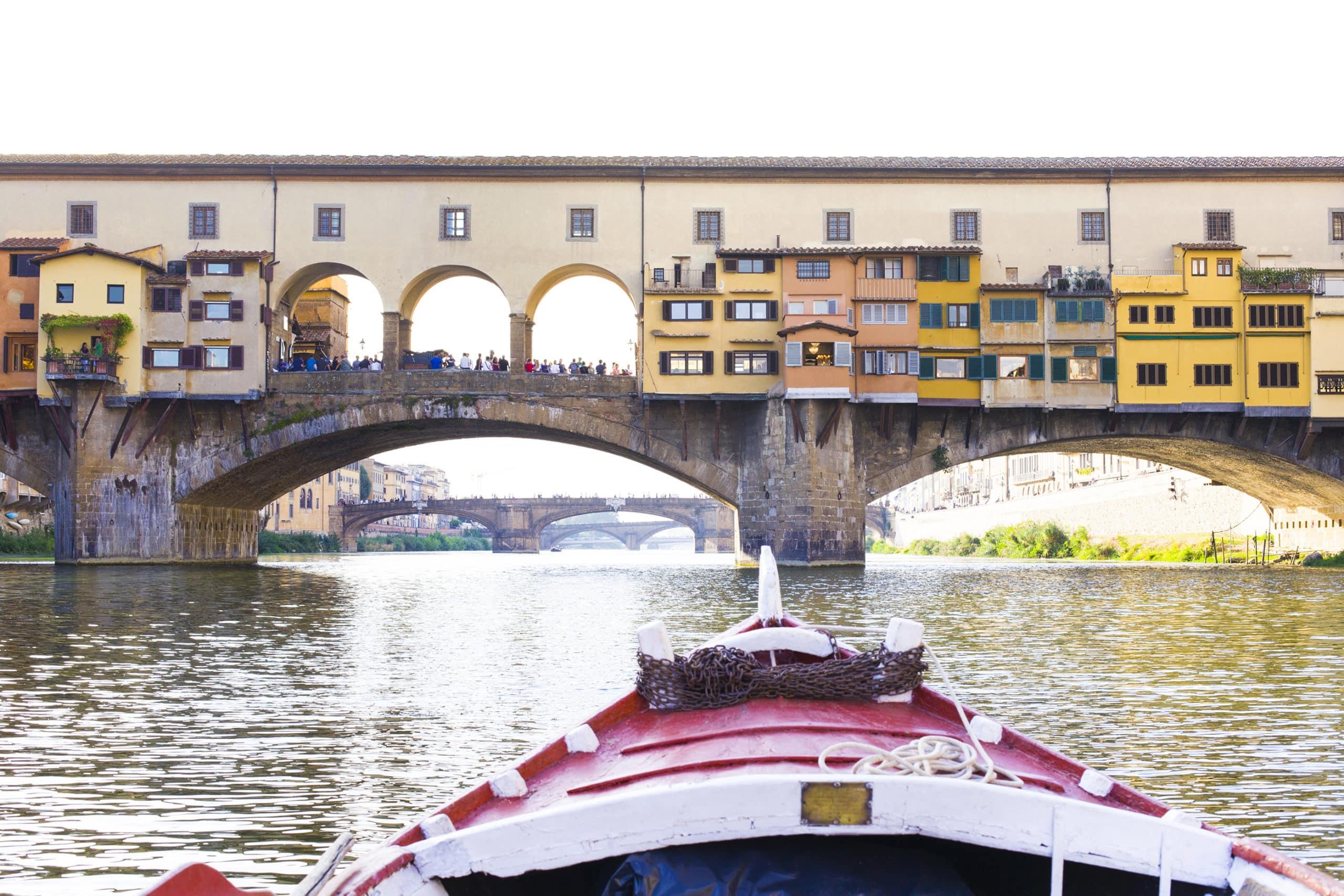 Florencia Insólita: A bordo de la barcaza de los areneros del Arno.